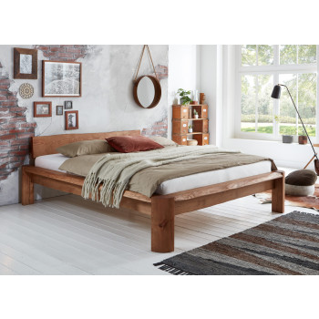 Doppelbett mit Baumkante 200x200 cm Pinie massiv Taiga